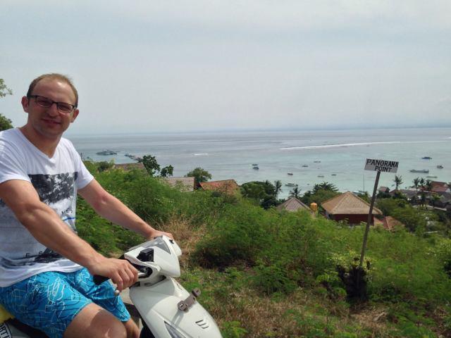 S riding on the horizon